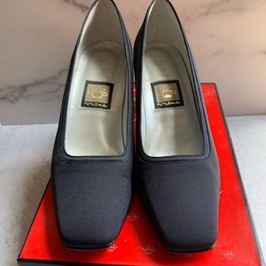 NINA Sz 7 1/2 M navy pumps